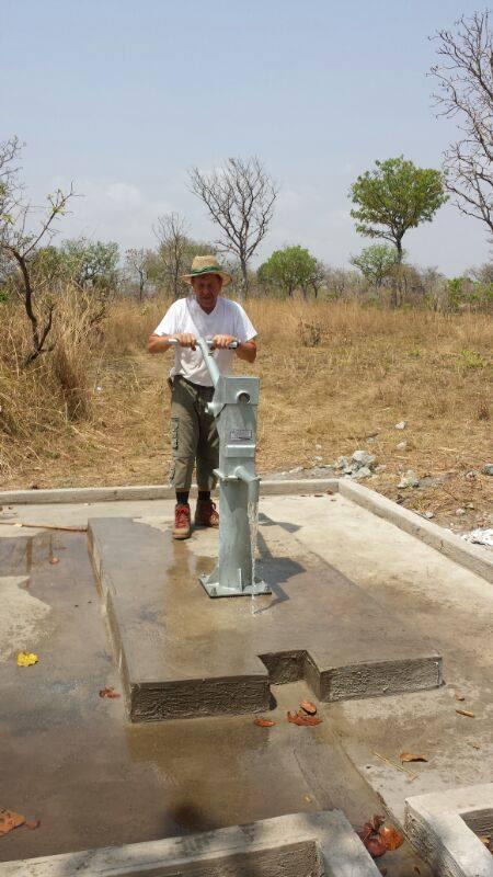 Bau der Wasserversorgung in Ghana