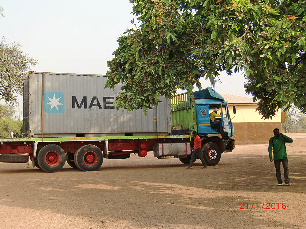 Ankunft des Containers in Tinga (Ghana)