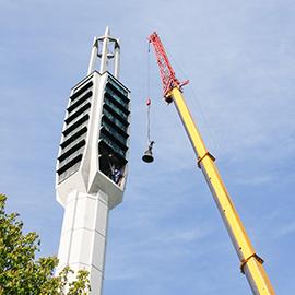 Demontage und Glockenübergabe in Hannover