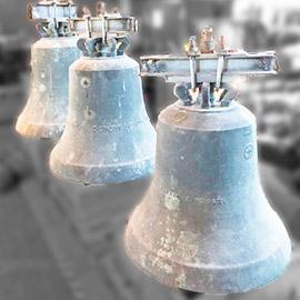 Dreistimmiges Bronzegeläut zum Verkauf